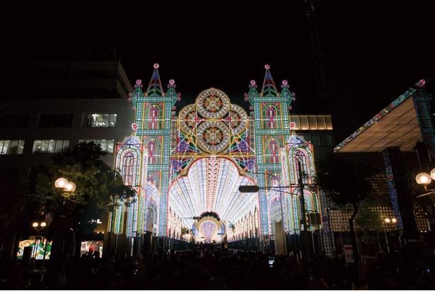 2018年開催の第24回は「共に創ろう、新しい幸せの光を」をテーマに、約51万球のLEDが使用され、華やかさに磨きがかかった