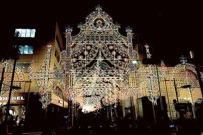 2014年開催、第20回のテーマは「神戸 夢と光」。資金難による存続の危機を乗り越え20回の節目を迎えた
