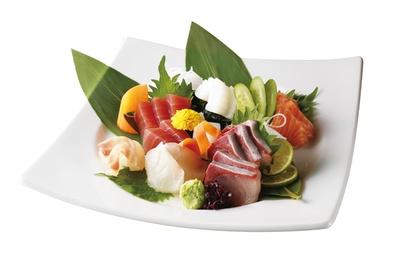 3580円のコースに付く刺身は、その日に仕入れた新鮮な魚を使用している。魚の種類は季節によって替わる / 名古屋みなと漁港