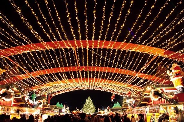 クリスマスマーケットとイルミで盛り上がる ※写真はイメージ