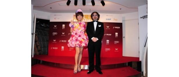 『豆富小僧 3D版』の第35回香港国際映画祭上映にあたり登壇した、はるな愛と河原真明監督