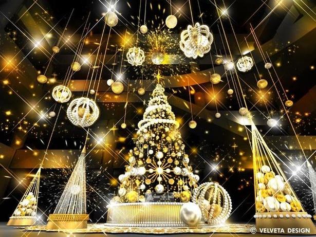 高さ8mのクリスマスツリーは圧巻だ