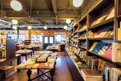 多彩なジャンルの本が並び、ついつい長居してしまいそう/恵文社 一乗寺店
