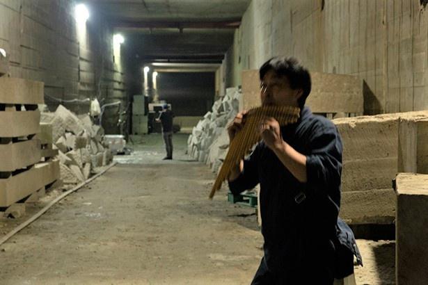 坑内で演奏をしていただいた。音がよく響きコンサートホールのようだ