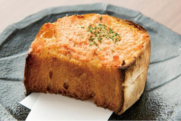 """英国昇龍 EIKOKU SHORYU / 「めんたいバタートースト」(275円・税込)。ラーメンやつけ麺に合う""""つけパン""""を3種用意する"""