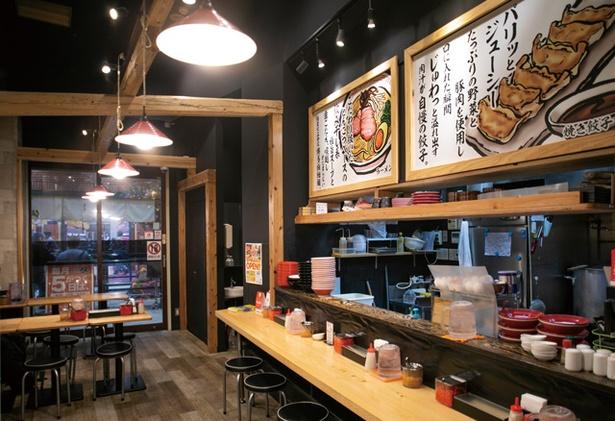 博多豚骨ラーメン 伍 / 5の付く日は、替え玉or白飯が無料、麺増量といったサービスあり