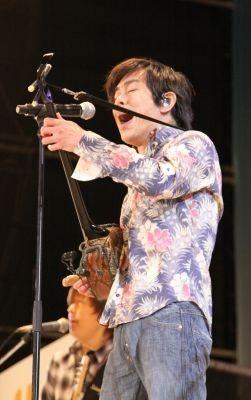 【画像を見る】THE BOOMほか、いさゆみ、RYOEIも出演した「エール,ラフ&ピースSPライブ」の様子