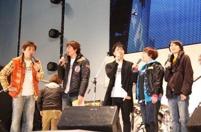 「エール,ラフ&ピースSPライブ」に出演した石垣島出身のシンガーソングライター・RYOEI