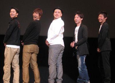 『ミステイクン』の舞台挨拶に登壇した5人(左からはんにゃ・金田、野性爆弾・ロッシー、主演の川島邦祐、今井豪プロデューサー、伊藤隆行監督)