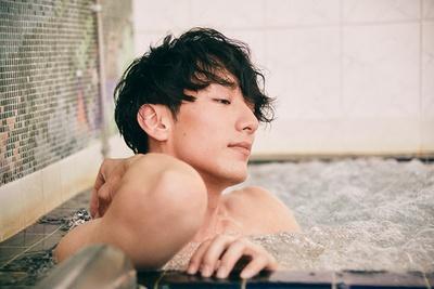 ダンスレッスンで疲れた体を天然温泉で癒す。普段からお風呂派で「長い時は40分近く入ることもあります」