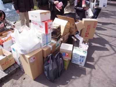 名古屋テレビ塔下では、3月26日(土)10:00~12:00に物資集めが行なわれた。
