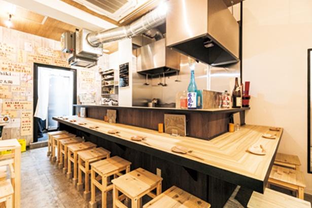 低温調理でしっとりした鶏レアハム(680円)はタマネギと醤油ベースのタレで/炭火焼鳥と鶏肴 keshiki.