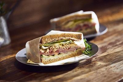 グランドメニューのサンドイッチは600円(税込)~