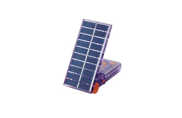 10年以上使用できる「バイオレッタソーラーギア」(5250円)は、太陽光で充電できる充電池