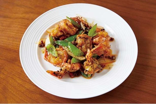 中華厨房 華 / 「エビの黒胡椒炒め(1080円)。唐辛子と炒めて辛味をアップ