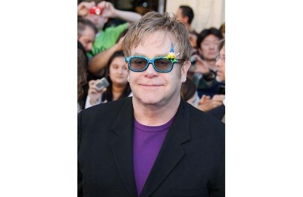 【写真】エルトン・ジョン主催、2012年度アカデミー賞のアフターパーティのペアチケットがオークションにかけられる