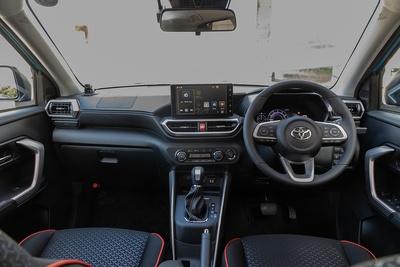 RAIZEの車内空間