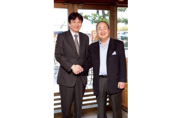 左より中川具隆(Ustream Asia株式会社代表取締役社長)、角川歴彦(株式会社角川グループホールディングス取締役会長)