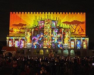 約20万球の光が彩るクリスマスイルミネーションが三重県の志摩スペイン村で開催