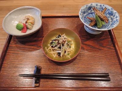 オススメは旬の食材を使った一品料理が味わえる「季節のコース」(昼3500円、夜5000円)