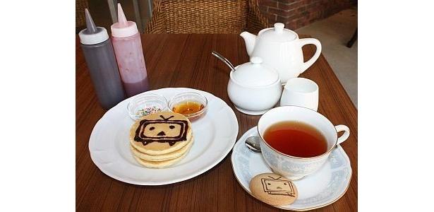 【写真】チョコペンで絵を描くことができる「コメントパンケーキ」も