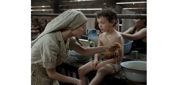 撮影中、全身に帯状疱疹が出てしまう病気にかかったメラニー・ロラン