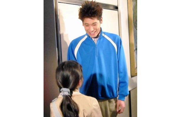 """佐藤隆太の""""サプライズお見送り""""に子供たちは大喜び。「好きな野球選手は?」など質問されていた"""