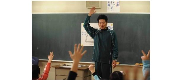 佐藤隆太は「役ながら教壇に立つと緊張する。先生ってすごいと改めて尊敬します」と感想を