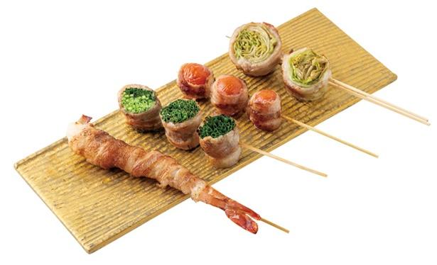 すみ劇場 むさし坐 / 名物の「野菜巻串」(1本220円〜)はエビなど全10種。絶妙な焼き加減で食感を生かす