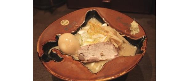 """器が""""北海道形""""に!? スープは稚内付近から飲むと飲みやすい!"""