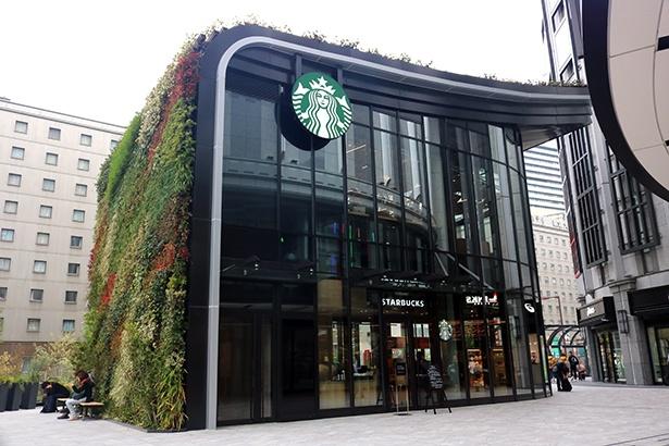 「LINKS UMEDA」アネックス棟にオープンした「スターバックス コーヒー LINKS UMEDA 2階店」