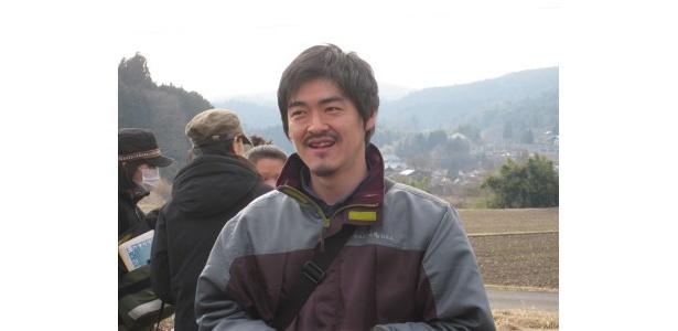 役所や小栗らキャスト陣と共同生活をしながら本作作っていけることをとても楽しみにしているという沖田修一監督