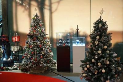 メルセデス ミー 大阪の店内もクリスマス模様に