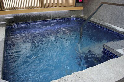 【写真】9℃以下の低温水風呂「サンダートルネード」