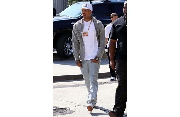 アメリカの歌手クリス・ブラウン。彼もナオミ・キャンベルのチャリティーファッションショーにモデルとして出演している