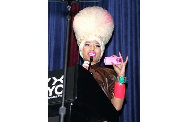 コンピレーションアルバム「SONGS FOR JAPAN」に楽曲を提供したニッキーが、新たな日本支援の動きを見せた