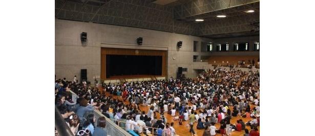 「正直こんなにたくさんの人が来てくれるなんて」とサンドウィッチマンも感激していた会場の様子