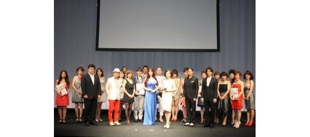 受賞者たちと記念撮影