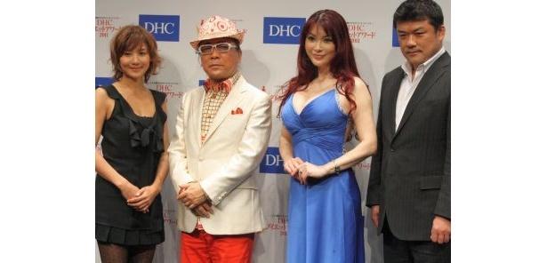 審査員を務めた藤崎奈々子さん、ドン小西さん、叶美香さん、吉田秀彦さん(左から)