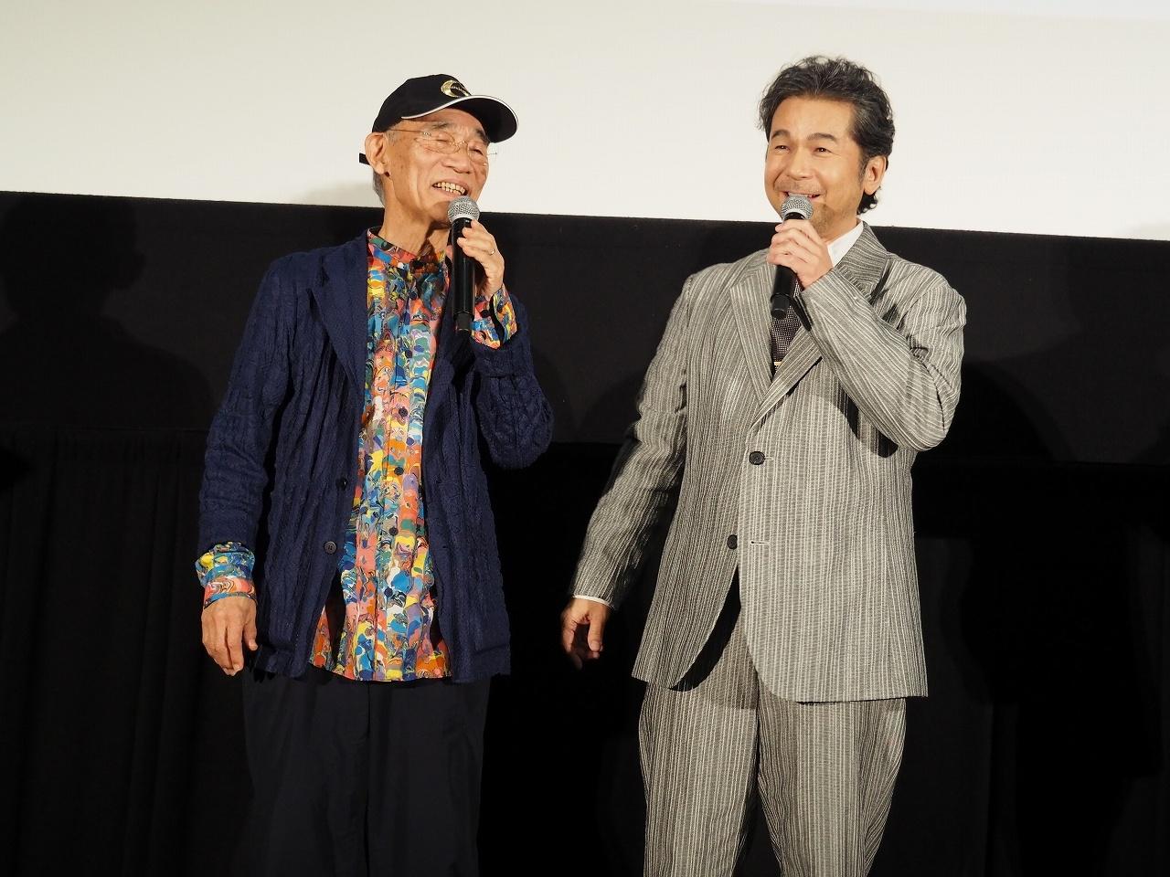 仲睦まじい姿を見せる富野由悠季総監督と、DREAMS COME TRUEの中村正人