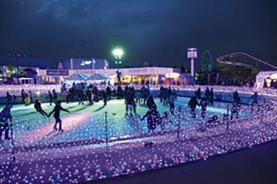 ロマンチックな雰囲気でアイススケートを楽しもう / よみうりランド