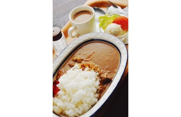 京都最古参のカフェ「進々堂 京大北門前」で食べられるのは、スープタイプの絶品カレー♪