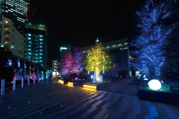 色の変化も楽しめ、時間を忘れて見ていたくなる /「名古屋ルーセントタワー ウインターイルミネーション」