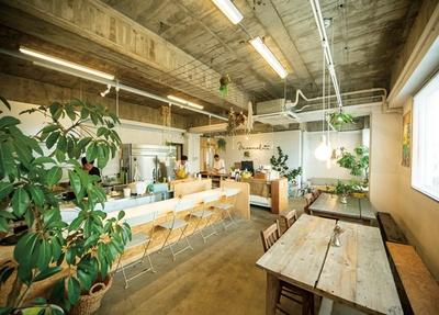 COFFEE COUNTY Kurume / マツノブデリは2階。ランチは1000円〜