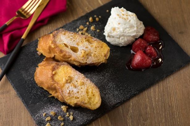 「星空フレンチトースト」はイルミ開催日の土・日・祝日、1日限定10食のレアメニュー