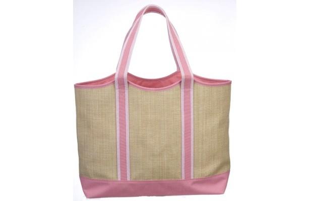 ESTEE RAUDER(エスティ ローダー)のマザーズデイ2011用の特製バッグ。中身は前の写真を参照