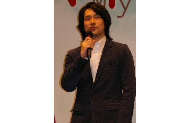 若いジャーナリスト(妻夫木)を挫折に追い込む左翼学生を演じる松山ケンイチ