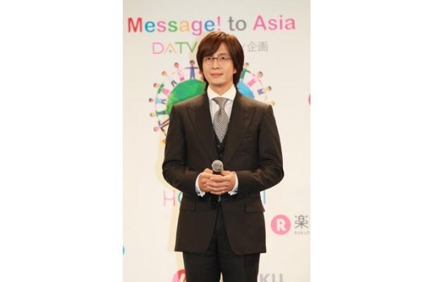 """チャリティ企画""""ほほえみプロジェクト""""に賛同するなど、チャリティ活動に余念のないペ・ヨンジュンも日本を応援"""