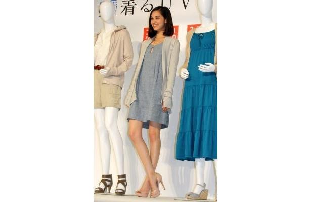 【写真】水原希子さんはナチュラルな着こなしを披露!