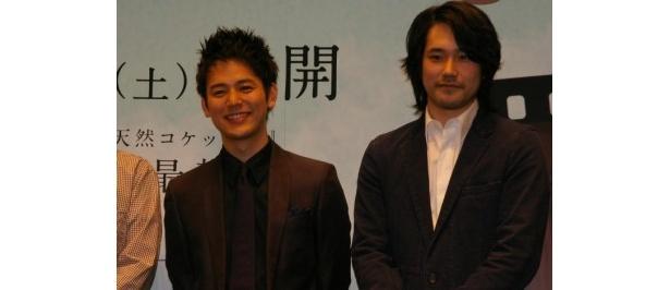 初共演を果たした妻夫木聡と松山ケンイチ(写真左から)